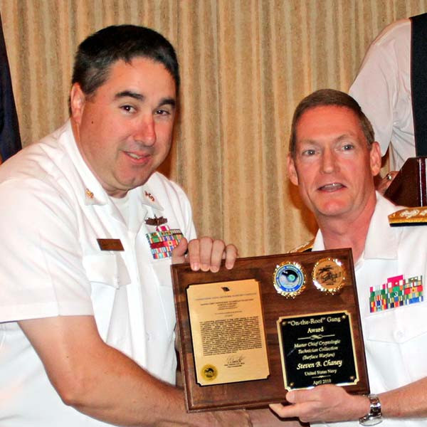 2010 CSE Award: CTRCM(SW) Steven Chaney with RADM Deets